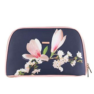 cae964aa89f5f WASHBAGS. TED BAKER LONDON