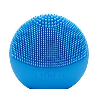 005817_EB_beauty_tools_product-rec_06b_Foreo_10216972